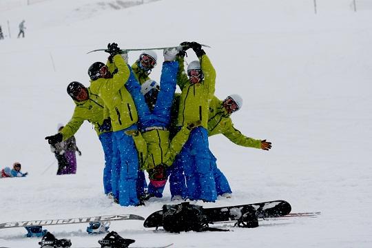 , Jak uczyć się jazdy na snowboardzie – samodzielnie czy z instruktorem?